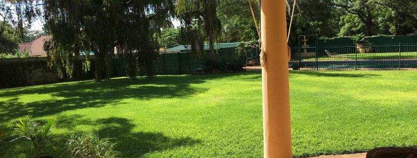 Guten Morgen Afrika - Blick aus meinem Zimmer in den Garten