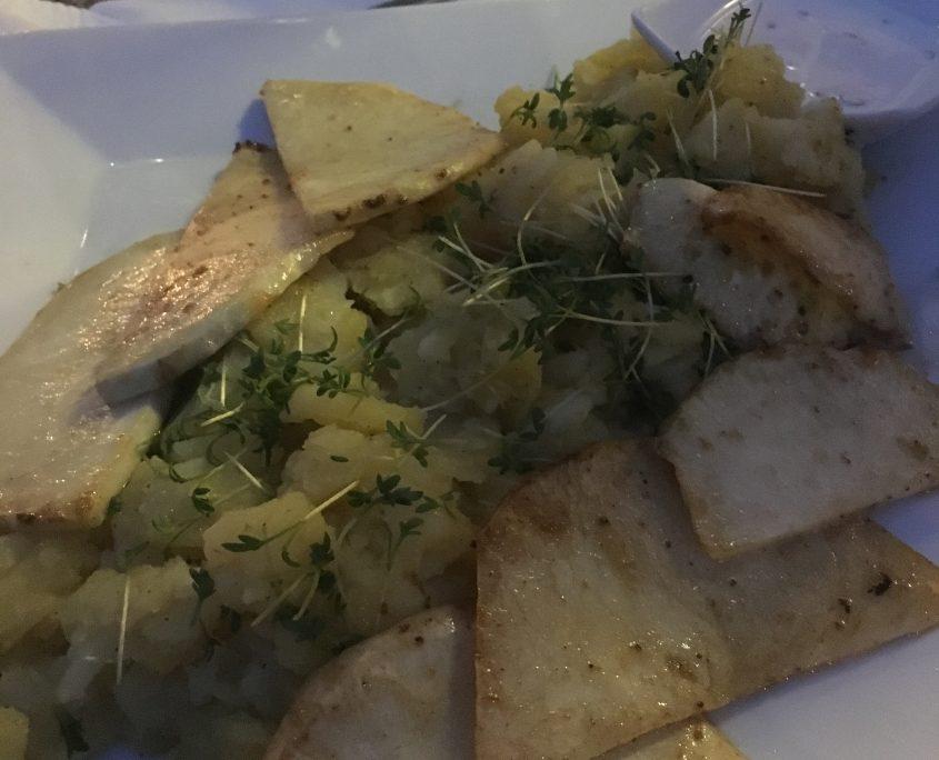 Passau - Café Kowalski - Sellerieschnitzel mit Kartoffelsalat