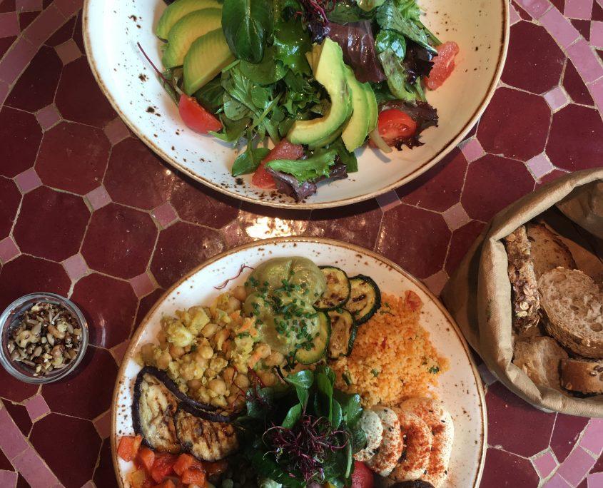 Frankfurt - Vevay - Vevay Teller & Protein Salat - Lory's Restaurant Test (und Tipp) #1