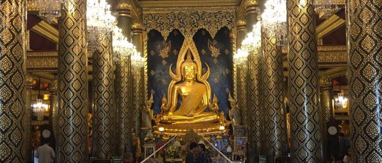 Phitsanulok - Tempel goldene Phra Buddha Chinnarat