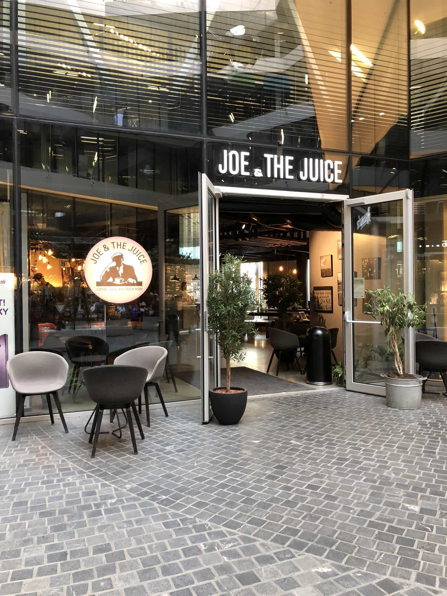 Oslo - Aker Brygge - Joe & the Juice - Entrance